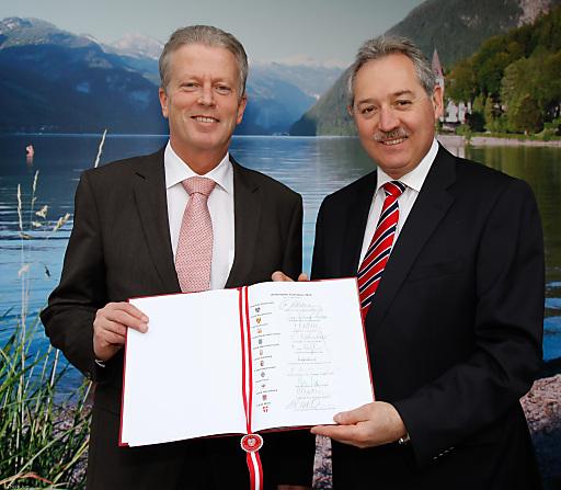 """Tourismusminister Mitterlehner und OÖ-Landesrat Sigl zeigen den """"Aktionsplan Tourismus 2011"""""""