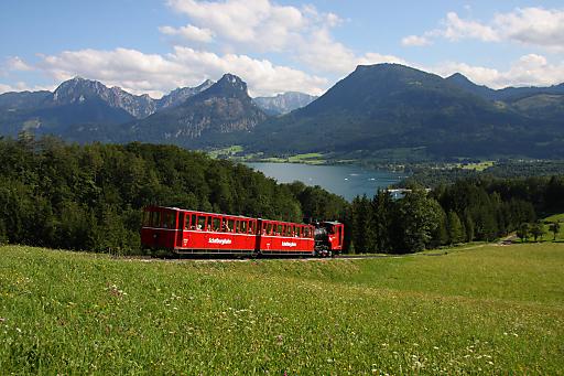 Ostersonntag auf dem Schafberg: Es kommt selten vor, dass die Schafbergbahn bereits im April in die Sommersaison Startet.