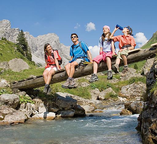 Familien erleben in der Alpenregion Bludenz, im Süden Vorarlbergs, einen Sommerurlaub mit echtem Mehrwert. Hier legt man besonderes Augenmerk auf Familien, die sich mit ihren Kindern stressfrei erholen wollen.