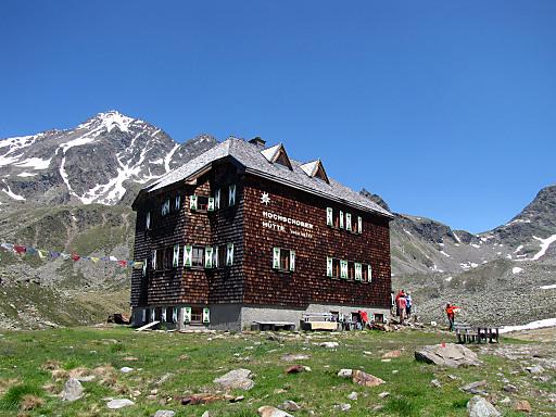 Die Hochschoberhütte, eine Genießerhütte des Alpenvereins auf 2.322 m Seehöhe.