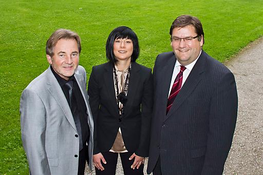 v.l.n.r.: Dir. Peter Kothgasser (Mandlbauer AG), Barbara Watzl-Dornfeld, Mag. Jörg Siegel (Mandlbauer AG)