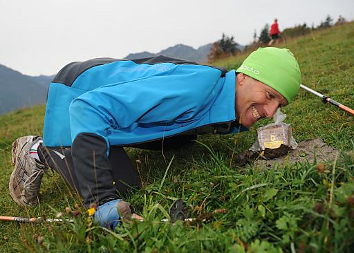 Über 300 Schatzkisten sind auf der Steinplatte Waidring versteckt und warten darauf gefunden zu werden.