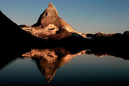 Tradition und Moderne gehen rund ums Matterhorn Hand in Hand: Der Hotelier-Verein Wallis stellt gemeinsam mit seekda ein zentrales Online-Buchungssystem bereit.