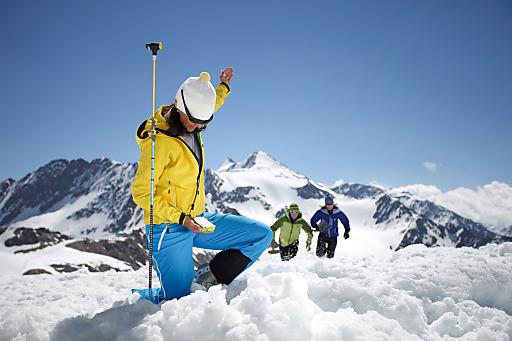 Lawinensuchfeld, Reichweitentest und LVS Test auf Tirols höchstem Gletscherfest