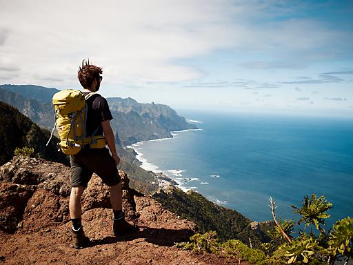 Wandern und Meer: Teneriffa's Küstenpfade mit Blick aufs Meer