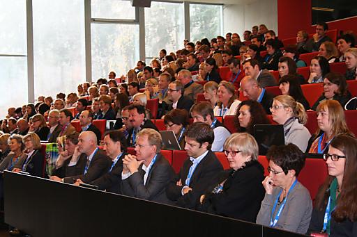 """Der Kongress """"Brennpunkt eTourism 2011"""" der Fachhochschule Salzburg informierte am 14.11. 2011 in fundierten Fachvorträgen über die neuesten Trends und touristischen Möglichkeiten im Internet."""