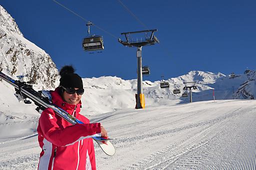 """http://www.apa-fotoservice.at/galerie/2512 Als einziges Skigebiet Tirols abseits der Gletscher hat Obergurgl-Hochgurgl - der """"Diamant der Alpen"""" - bereits seit 17. November die Pisten geöffnet. (Bild aufgenommen am 12.11.2011)"""