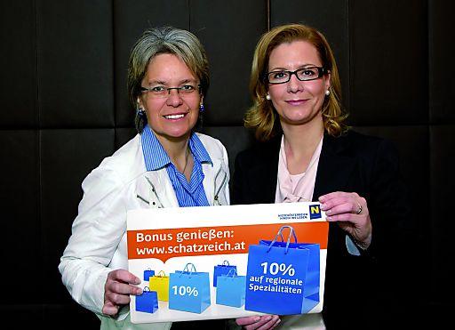 Tourismuslandesrätin Dr. Petra Bohuslav mit Mag. Marion Boda (GF Niederösterreich-CARD)