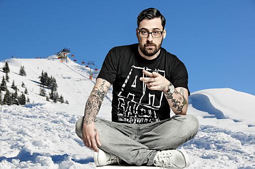 """""""SIDO live"""" mit Band, das Europacupfinale der Snowboarder im Big Air und eine tolle After Show-Party mit Top-DJ's am 24. März am Hauser Kaibling in der Region Schladming-Dachstein. Abdruck bei Namensnennung bis 29.2.2012 honorarfrei."""