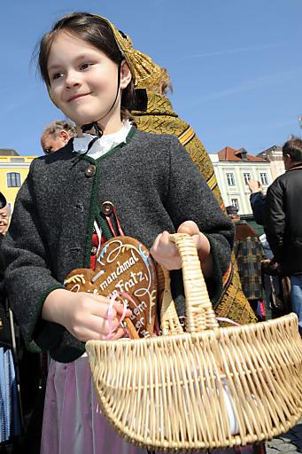 Original Liebstattsonntag in Gmunden am Traunsee seit 1641: Jedes Jahr findet der Brauch am 4. Fastensonntag statt.