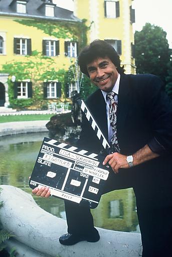 Roy Black vorm Schlosshotel am Wörthersee.