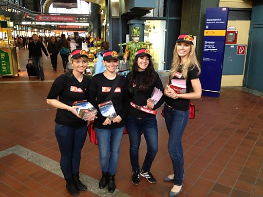 Promotion für den Zillertaler Bergsommer am Hamburger Hauptbahnhof