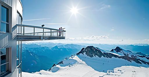 Panorama- & Natur-Bergerlebnisse, präsentiert von den Besten Österreichischen Sommer-Bergbahnen. Im Bild: Das Kitzsteinhorn mit der Gipfelwelt 3000 auf 3029 Meter Seehöhe direkt am Nationalpark Hohe Tauern.