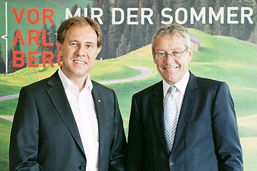 Nach dem Rekordsommer 2011 hat auch die vergangene Wintersaison Vorarlberg ein historisches Ergebnis beschert. Dir. Mag. Christian Schützinger (links) und LSth. Mag. Karlheinz Rüdisser (rechts).