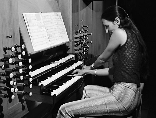 Barbara Dennerlein, eine der bekanntesten Jazzorganistinnen gibt ebenfalls ein Konzert im Rahmen des ORGEL.FESTs.