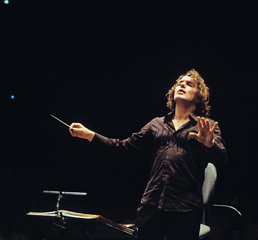 Das Stuttgarter Kammerorchester bildet unter der Leitung des in Frankreich wirkenden Tiroler Dirigenten Oswald Sallaberger, der spanische Organetta-Spieler Guillermo Pérez und Barbara Dennerlein, eine der bekanntesten Jazzorganistinnen, werden Teil des ORGEL.FESTs sein.