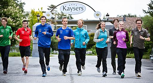 Der Schweizer 4fach-Olympiasieger Simon Ammann (im Bild ganz rechts) trainierte gemeinsam mit dem A- und B-Kader der Schweizer nordischen Nationalmannschaft im ****Kaysers Tirolresort am Mieminger Plateau in Tirol.