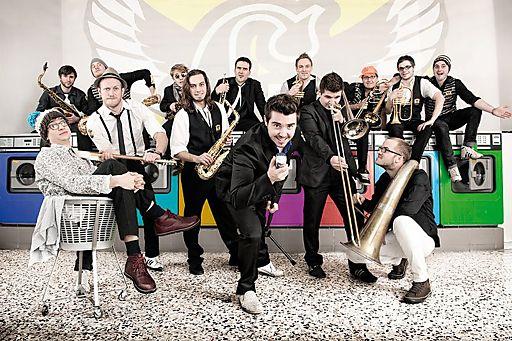 """""""Guadalajara"""" rocken das Linzergassenfest am Freitag, 29. Juni um 19 Uhr auf der Bühne im Bruderhof."""