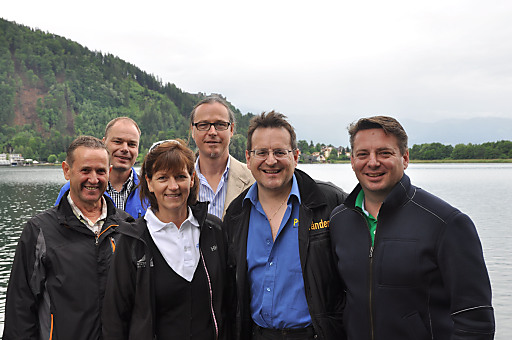 Strategie-Tagung der Besten Österreichischen Sommer-Bergbahnen am 13. und 14. Juni 2012 in Kärnten (Villach - Gerlitzen Alpe/Ossiacher See - Turracher Höhe). Im Bild am Ossiacher See, am Fuß der Gerlitzen Alpe (v. li. n. re.): Walter EISENMANN (Bergbahnen Söll), Stefan MANGOTT (Bergbahnen Serfaus - Fiss - Ladis), Maria HOFER (Gletscherbahnen Kaprun), Reinhard ZECHNER (Geschäftsführer der Kärnten Tourismus Holding und Kärntner Landessprecher der Sommer-Bergbahnen, Organisator der Strategie-Tagung), Thomas KINZ (Sprecher der Sommer-Bergbahnen und Geschäftsführer der Pfänderbahn in Bregenz) und Kornel GRUNDNER (Leoganger Bergbahnen)