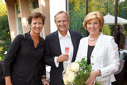 v.l.n.r.: Mag. Monika Kircher (Vorstandsvorsitzende der Infineon Technologies Austria AG), DI Oskar Seidler (Geschäftsführer ThermenResort Warmbad-Villach), Mag. Susanna Mayerhofer (Geschäftsführerin ThermenResort Warmbad-Villach)