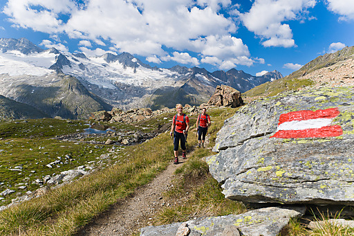 """Weitwanderung am """"Zentralalpenweg 02"""" zum 150-Jahr-Jubiläum des Alpenvereins: Hier eine Aufnahme von Etappe Nr. 46 (Greizer Hütte - Floitengrund - Mörchenscharte - Schwarzsee - Berliner Hütte)."""