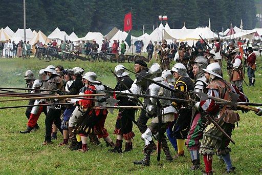 Die Nachstellung der Schlacht um Ehrenberg und ein großer mittelalterlicher Markt waren nur zwei Höhepunkte der 9. Zeitreise nach Ehrenberg von 27. bis 29 Juli 2012.