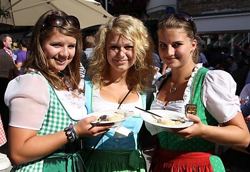 Insgesamt 25.000 Knödel werden beim Knödelfest in St. Johann in Tirol zubereitet