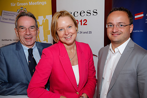 v.l.n.r.: Christian Mutschlechner (ACB), Dr. Petra Stolba (ÖW) und Harry Gatterer (Zukunftsinstitut Österreich GmbH)