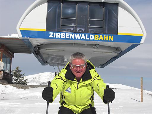 Die Turracher Höhe startet auch heuer wieder überaus früh - am Mittwoch, 31. Oktober 2012 - in die Ski-Saison. Im Bild: Fritz Gambs, Geschäftsführer der Bergbahnen Turracher Höhe, bei einer ersten Testfahrt.