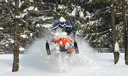 Bild zu TP/OTS - Weihnachten & Silvester etwa mit Snowmobile-Action am 5 km langen Adventure Track am Hotelgelände des Hotel Gut Brandlhof in Saalfelden