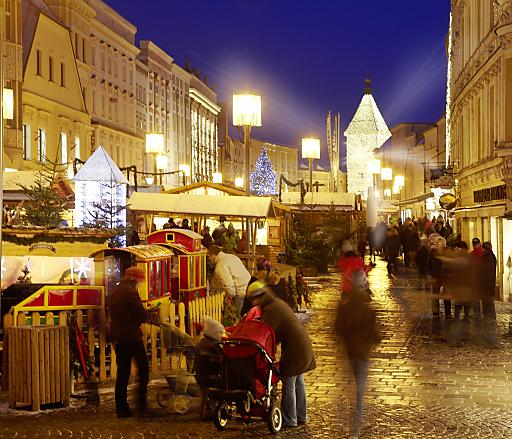 Welser Weihnachtswelt mit Ledererturm