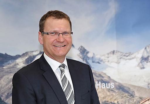 Dr. Andreas Ermacora folgt Christian Wadsack als Alpenvereinspräsident nach.