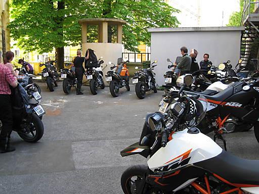 """Das Reisebüro """"Bunte Urlaubswelt"""" in Schörfling am Attersee bietet seinen Kunden ab sofort geführte Motorradtouren mit neuen Maschinen von KTM."""
