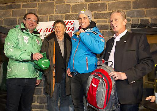 v.l.n.r.: Direktor Steiermark Tourismus Georg Bliem, ÖSV-Präsident Peter Schröcksnadel, Marcel Hirscher, BM Reinhold Mitterlehner