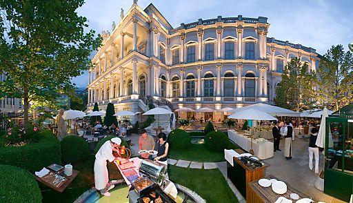 Jeden Montag zwischen 06. Mai und 16. September 2013 werden 65 bis 70 Genießer im Palais Coburg*****s, einer der wohl reizvollsten Locations im Zentrum Wiens, beim Chill Out Barbecue kulinarisch verwöhnt.