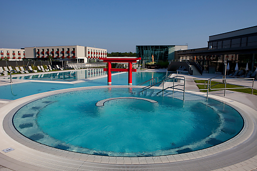 Poolbereich Therme Linsberg Asia