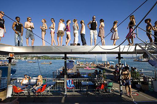 Im Bild: Seebad Zürich-Enge; Zürich - National und international eine der grössten Bäderdichte der Welt