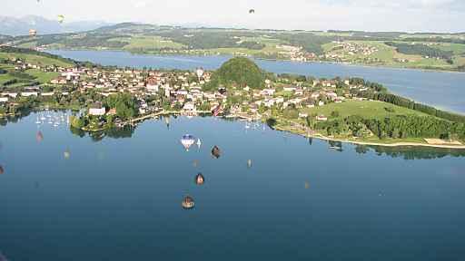 Wohlfühlen im gastfreundlichen Seenland nördlich der Weltstadt Salzburg: Genussradeln, Seenwandern und Badespaß.