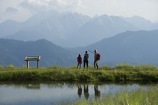 Das Interesse am Thema Wandern in Österreich steigt weiter: Zu diesem Schluss kommt der Verein Österreichs Wanderdörfer in seiner heurigen Halbjahres-Statistik. Die Angebotsgruppe, die 43 Wanderregionen quer durch Österreich vereint, verzeichnete von Jänner bis Juni ein Plus von 14,5 % bei den Anfragen.