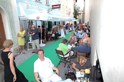 Zum dritten Mal lockt das Altstadtfest Steingasse in diesem Jahr mit einer Mischung aus Literatur, Live-Musik, guter Gastronomie und Theater.