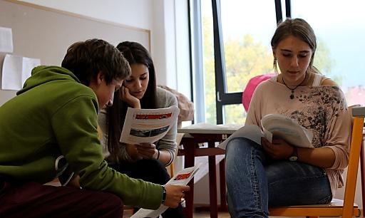 In Kleingruppen erarbeiteten sich die SchülerInnen das Klimawissen.