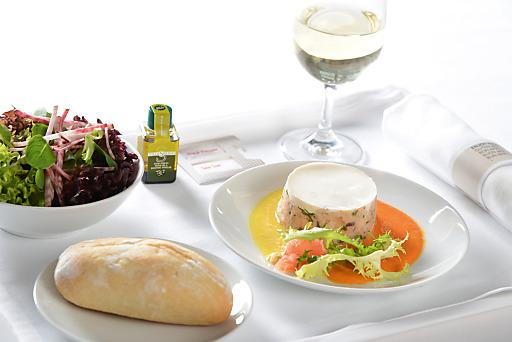 Bis Dezember 2013 genießen SWISS Fluggäste auf interkontinentalen Flügen Köstlichkeiten aus dem Kanton Neuchâtel