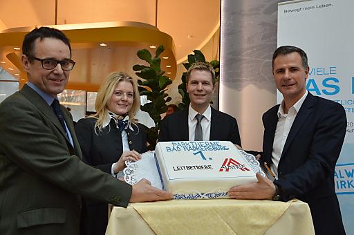 v.l.n.r.: Mag. Josef Sommer (Bürgermeister), Mag. Monica Rintersbacher (GF Leitbetriebe Austria), Dr. Patrick Sax (GF Beteiligung) und Mag. Siegfried Feldbaumer (GF Parktherme)