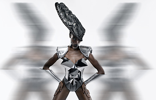 Starfriseur Mario Krankl begeistert am 20. Februar mit seiner Head Couture.