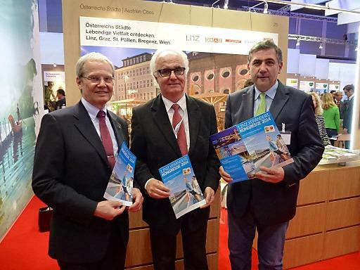 v.l.n.r. Mag. Karl Pramendorfer, Geschäftsführer Oberösterreich Tourismus, KR Manfred Grubauer, Vorsitzender Tourismusverband Linz und Georg Steiner, Tourismusdirektor Linz / Donau.