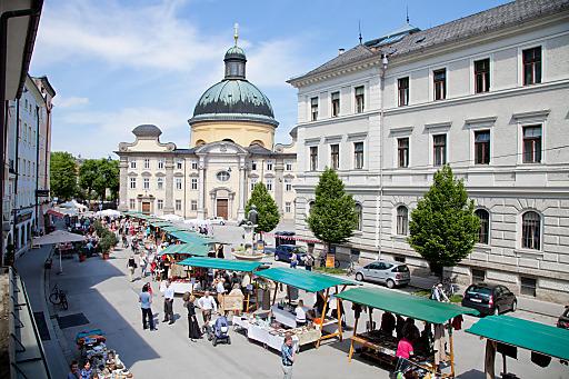 Die Schanzlmarktreihe startet am 10. April mit dem Kitsch, Kunst & Krempelmarkt.