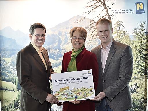 (v.l.): Prof. Christoph Madl, MAS, Geschäftsführer Niederösterreich-Werbung, Tourismuslandesrätin Dr. Petra Bohuslav und Mag. Markus Redl, Geschäftsführer Niederösterreichische Bergbahnen-Beteiligungsgesellschaft m.b.H.