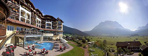 """Das Hotel Post Lermoos****s in der Tiroler Zugspitz Arena wurde mit dem European Health & SPA Award in der Kategorie """"Best Signature Treatment"""" ausgezeichnet!"""