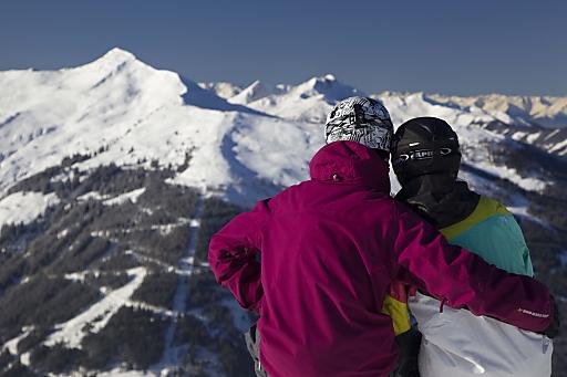In diesem Winter wird ins Ski Juwel kräftig investiert. Ein neuer Lift entsteht derzeit auf der Alpbacher Seite, die Wildschönau sorgen einem neuen Speicherteich und 65 Schneelanzen für mehr Schneesicherheit im Skigebiet.