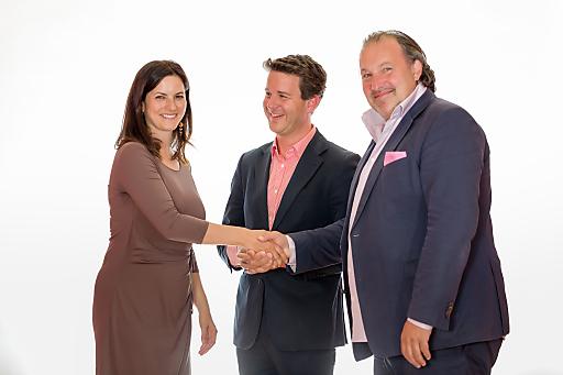 Handshake M* EVENTCATERING und Austria Center Vienna-Direktorin
